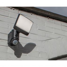 Lutec Sunshine - buiten wandlamp met sensor - 20 x 18 x 24 cm - 16,5W LED incl. - IP44 - donkergrijs