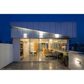 Zangra - wandverlichting - 11 x 11,5 x 19 cm - IP55 - transparant en wit